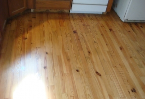 Knotty pine hardwood flooring repairs sanding & refinishingdsc06013