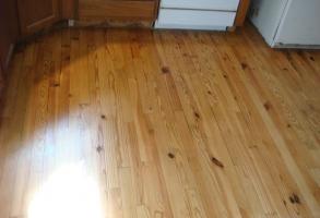 Knotty pine hardwood flooring repairs sanding & refinishingdsc06013